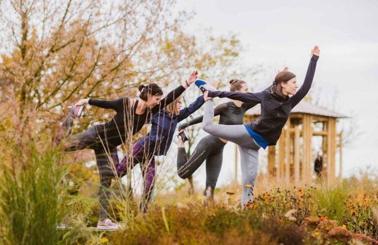 Yoga im Reserve Garten