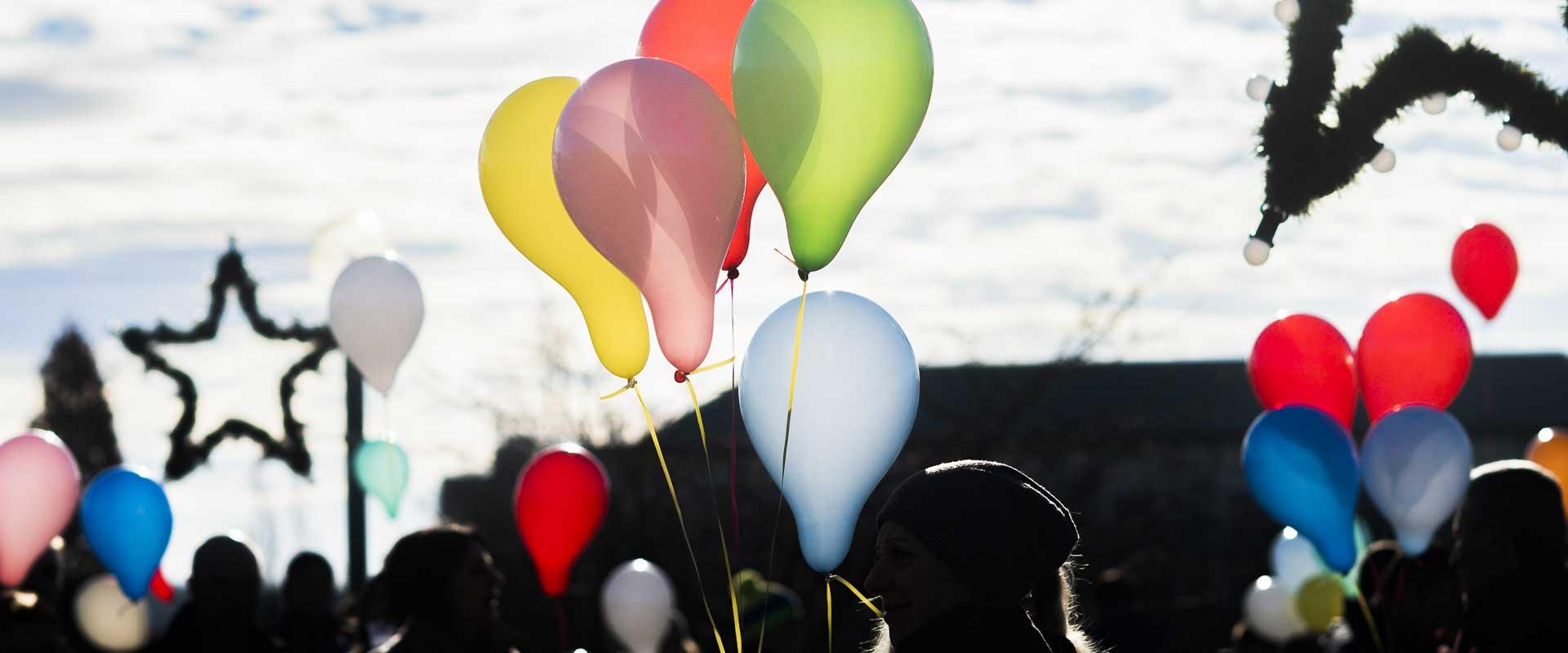 Luftballons zur Adventzeit