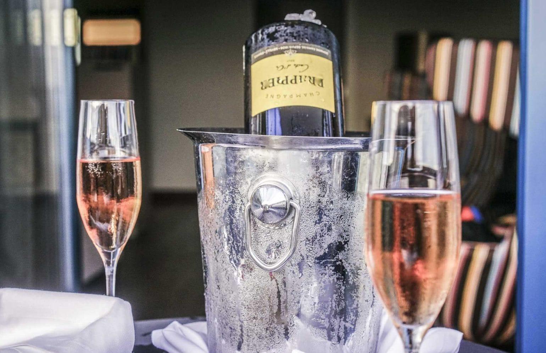 gekühlter Rosé-Champagner