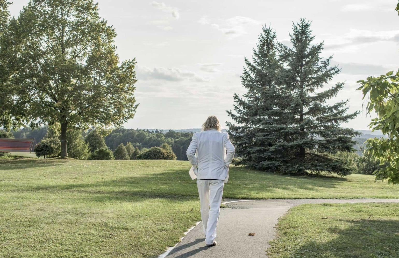 Karl J. Reiter beim Spaziergang