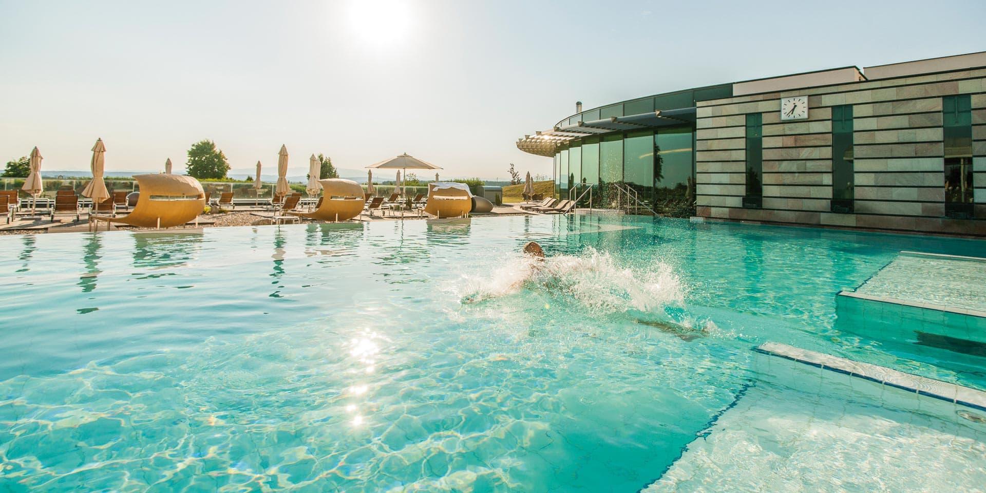 Pleasure Pool bei Sonnenschein im Supreme