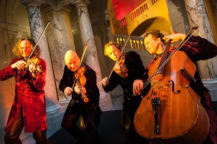 4 Musiker beim Streichkonzert