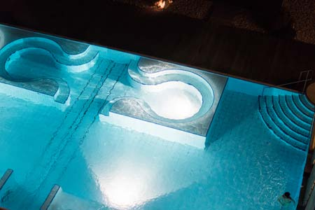 Pleasure Pool bei Nacht