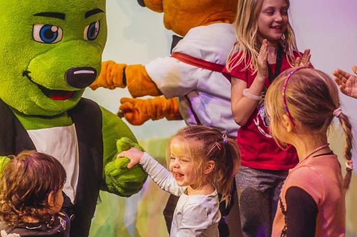 Dance Industry Bären mit Kindern