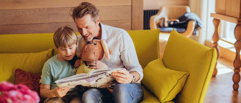 Papa und Sohn in Luxus Suite