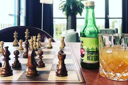 Schach und Apfelsaft aus der Genusswerkstatt